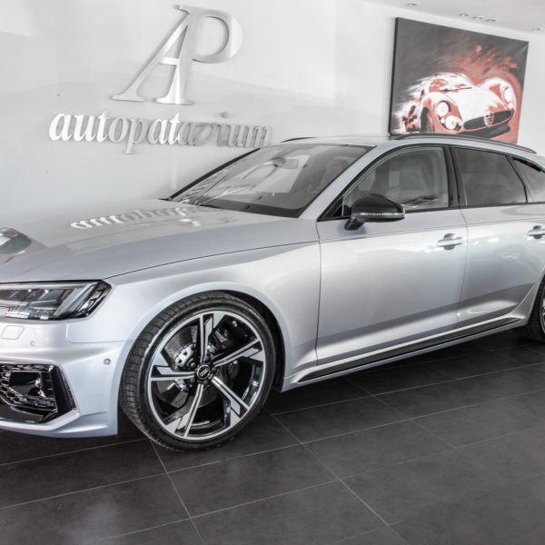Audi RS4 AVANT 450 cv 2.9 TFSI quattro s-tronic